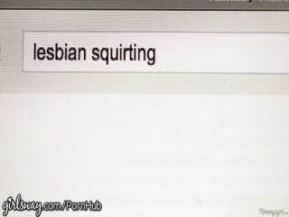 Порно видео онлайн с участием горячих девушек-лесбиянок в машине таксиста!